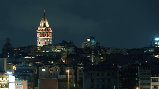 istanbul city galata tower zeitraffer - galataturm stock-videos und b-roll-filmmaterial