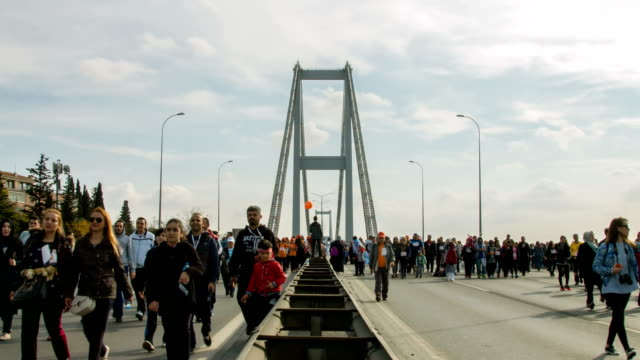 Istanbul maraton på Bosporen-bron