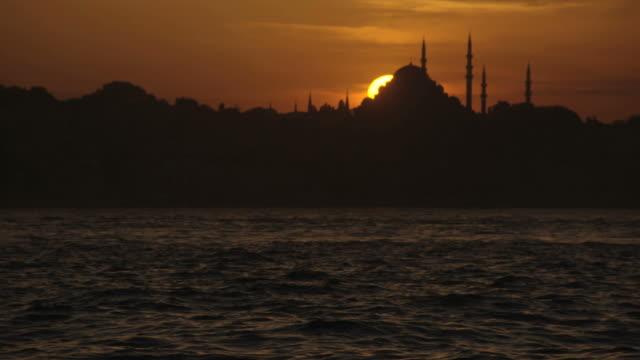 イスタンブールの夕日 - イスタンブール 金角湾点の映像素材/bロール