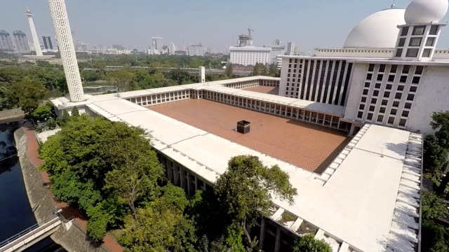 istiqlal mosque from the air, largest mosque in indonesia - wide shot stock videos & royalty-free footage