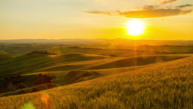 t/l italian countryside in the sunrise - tuscany stock videos & royalty-free footage