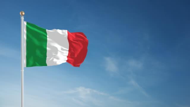 4k italian flag - loopable - italian flag stock videos and b-roll footage