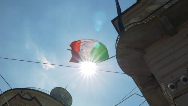 italienische flagge - italienische flagge stock-videos und b-roll-filmmaterial