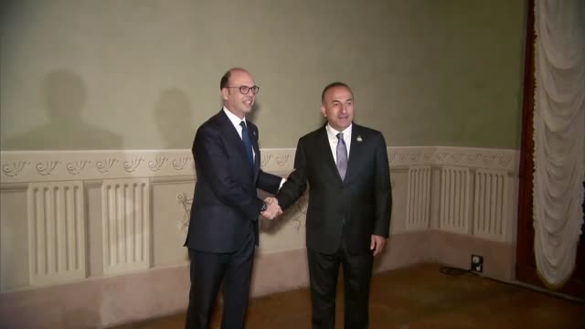 italian foreign minister angelino alfano welcomes german foreign minister sigmar gabriel, french foreign minister jean-marc ayrault, turkish foreign... - 外交点の映像素材/bロール