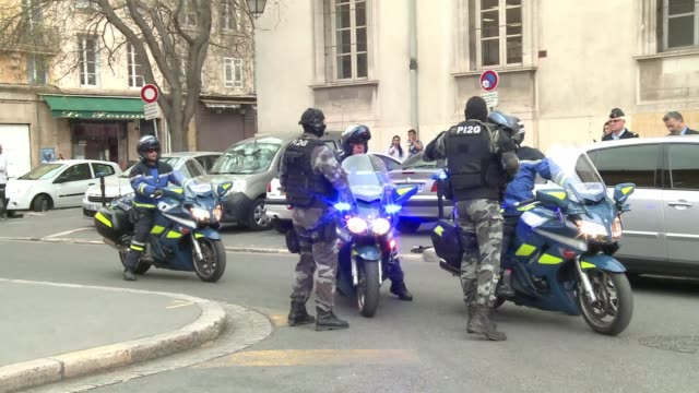 vídeos de stock, filmes e b-roll de italian mafia boss antonio lo russo arrested in nice on tuesday appears in aix en provence court ahead of a hearing to rule on whether to hand him... - aix en provence