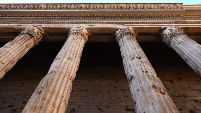 italienische marmorsäulen - law stock-videos und b-roll-filmmaterial
