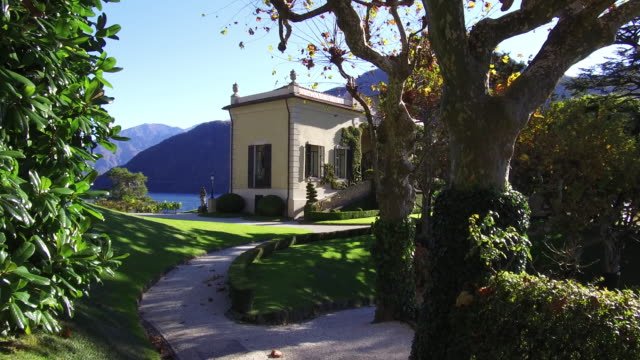italian villa and gardens on lake como - standing water stock videos & royalty-free footage