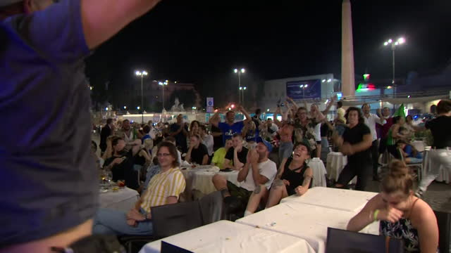 italy football fans in rome watching the second half of euro 2020 final against england, when italy equalised and then won on penalties - sporting term stock videos & royalty-free footage