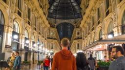 italy night milan gallery vittorio emanuele walking panorama 4k time lapse