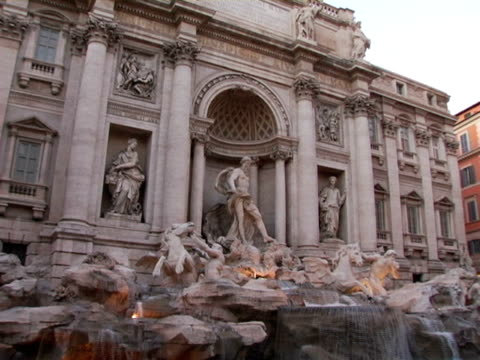 ms, italy, rome, trevi fountain - korinthisch stock-videos und b-roll-filmmaterial