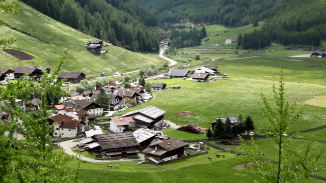 Italy, Schnalstal, Senales valley, view of the Madonna village
