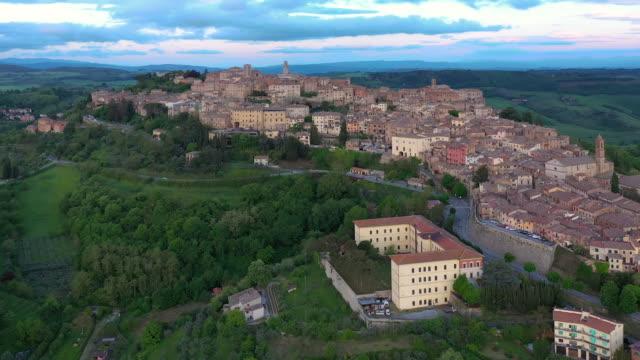 italy, tuscany, siena province, montepulciano - toscana video stock e b–roll