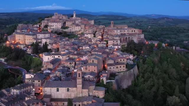 vídeos de stock e filmes b-roll de italy, tuscany, siena province, montepulciano - toscana