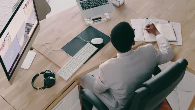 vídeos de stock, filmes e b-roll de é tudo sobre trabalhar duro para seus sonhos - negócio empresarial