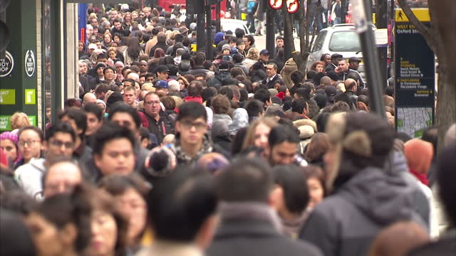 it's been a recordbreaking day of boxing day sales shoppers have queued overnight and police were drafted in to help manage the crowds rhiannon mills... - record breaking stock videos & royalty-free footage