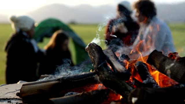 No es un camping sin fuego