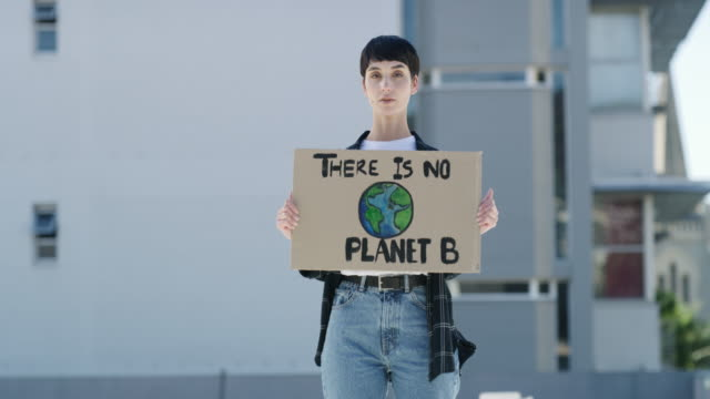 vídeos de stock e filmes b-roll de it's not too late to make a change - environmental conservation