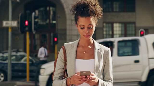 vídeos y material grabado en eventos de stock de es un gadget que no deambulan sin - t mobile