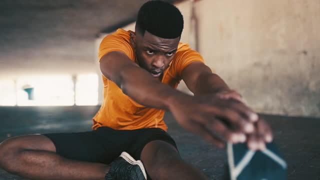 vídeos de stock, filmes e b-roll de é hora de mudar sua vida. - treino esportivo