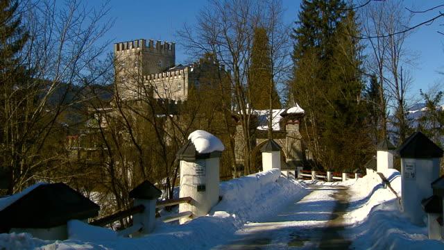 itter castle (tirol - austria) - österreichische kultur stock-videos und b-roll-filmmaterial