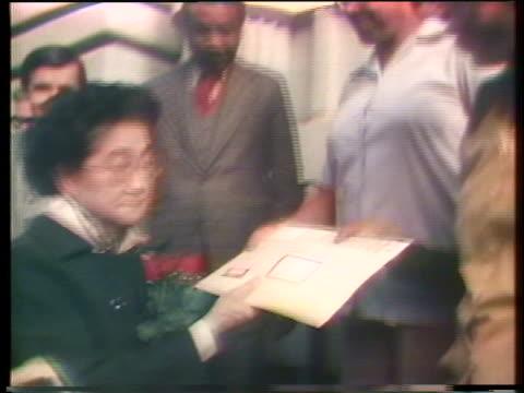 vídeos y material grabado en eventos de stock de iva toguri daquino, who is alleged to be tokyo rose, asks for a presidential pardon. - iva