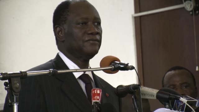 stockvideo's en b-roll-footage met ivory coast presidential challenger alassane ouattara on wednesday formally kicked off his campaign for the november 28 runoff vote seeking to... - meer dan 50 seconden