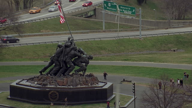 stockvideo's en b-roll-footage met ws ha iwo jima memorial / arlington, virginia, usa - nationaal monument beroemde plaats