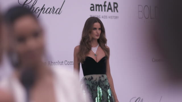 SLOMO Izabel Goulart at amfAR Gala Cannes 2018 at Hotel du CapEdenRoc on May 17 2018 in Cap d'Antibes France