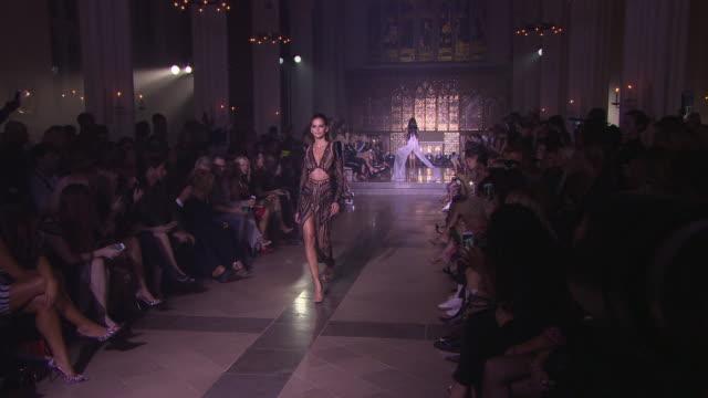 izabel goulart st models walk the runway at julien macdonald - lfw september 2018 on september 15, 2018 in london, england. - izabel goulart stock videos & royalty-free footage