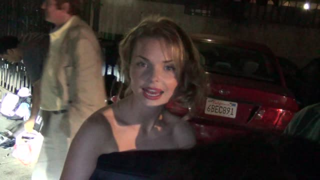 izabella miko talks about the new lovelace movie outside the lovelace premiere at the egyptian theatre in hollywood 08/05/13 izabella miko talks... - grauman's egyptian theatre stock videos & royalty-free footage