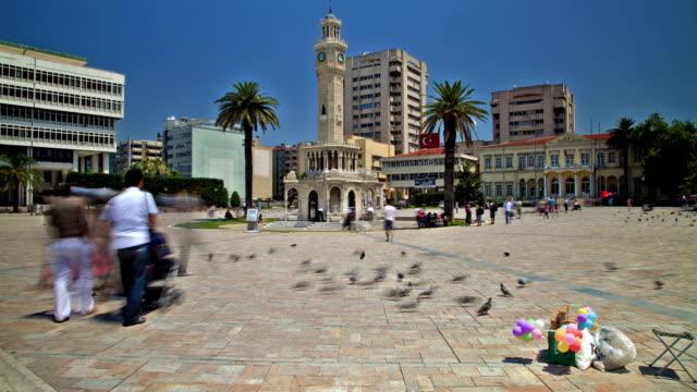 vídeos y material grabado en eventos de stock de izmir konak square with clock tower - religión