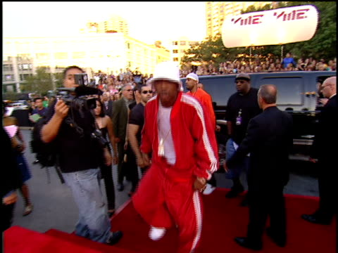 Ja Rule walking 2001 MTV MTV Video Music Awards Red Carpet His wife Aisha naming herself on the Red Carpet