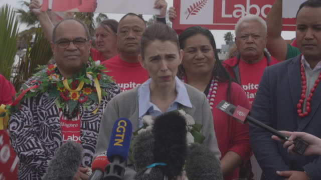 jacinda ardern during her election campaign meetings. jacinda ardern - current prime minister on the campaign trail in new zealand before general... - 首相点の映像素材/bロール