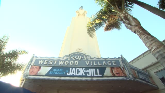 'jack and jill' world premiere at the 'jack and jill' world premiere at westwood ca - ウェストウッド地区点の映像素材/bロール
