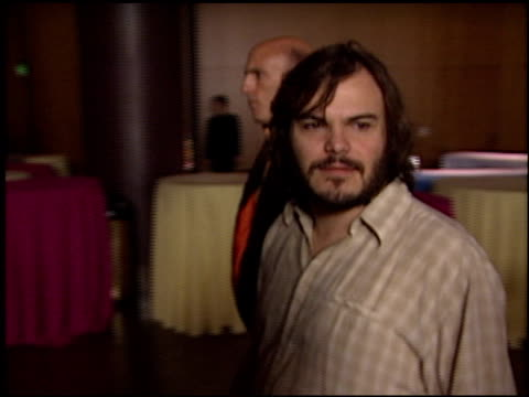 jack black at the 'a mighty wind' premiere at director's guide dga theater in los angeles california on april 14 2003 - dga theater stock videos & royalty-free footage