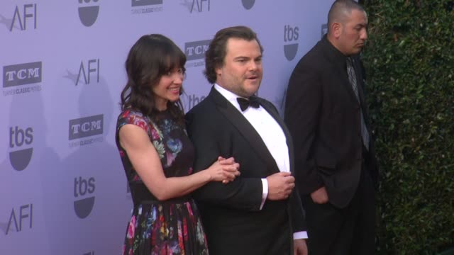 vídeos de stock, filmes e b-roll de jack black at the american film institute's 43rd life achievement award gala tribute to steve martin at dolby theatre on june 04 2015 in hollywood... - american film institute