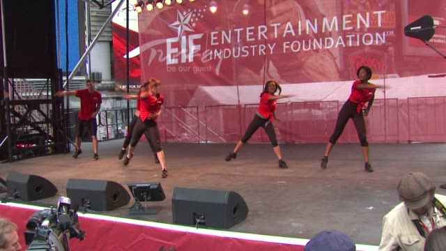 Jack Lalane performers at the 14th Annual Entertainment Industry Foundation Revlon Run/Walk For Women at New York NY