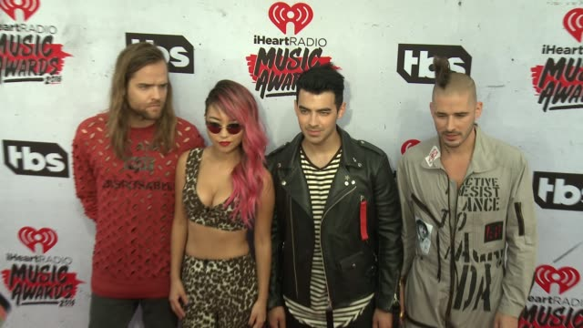 jack lawless, jinjoo lee, joe jonas and cole whittle at 2016 iheartradio music awards at the forum on april 03, 2016 in inglewood, california. - joe 03 stock videos & royalty-free footage