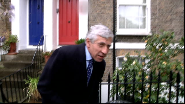 jack straw faces legal action over rendition claim england london ext jack straw mp talking with reporters outside house - jack straw stock videos & royalty-free footage