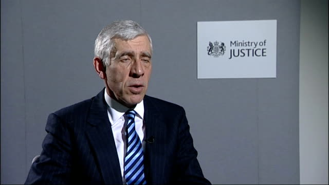 stockvideo's en b-roll-footage met int jack straw mp interview sot it was unforgivable/ i have apologised to parents on behalf of london probation service and british government/ this... - probatie