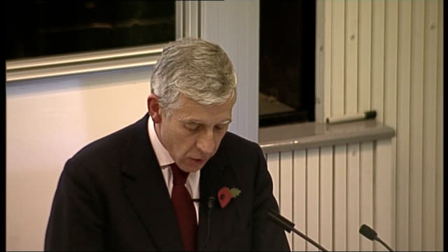 jack straw speech at three faiths forum; - 'what you wrote in your column is ok up to a point' said one close friend 'but integration is a two way... - 50 seconds or greater stock-videos und b-roll-filmmaterial