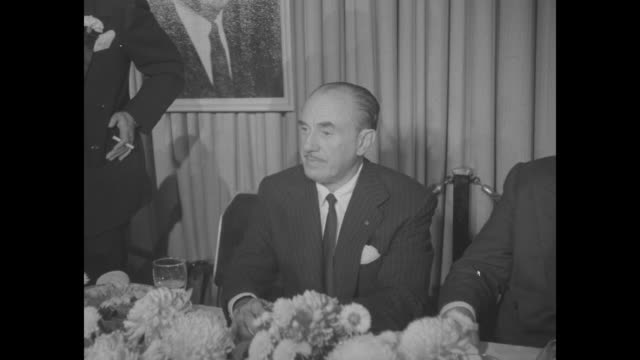 jack warner seated at head table at dinner honoring the warner brothers. - warner bros stock videos & royalty-free footage
