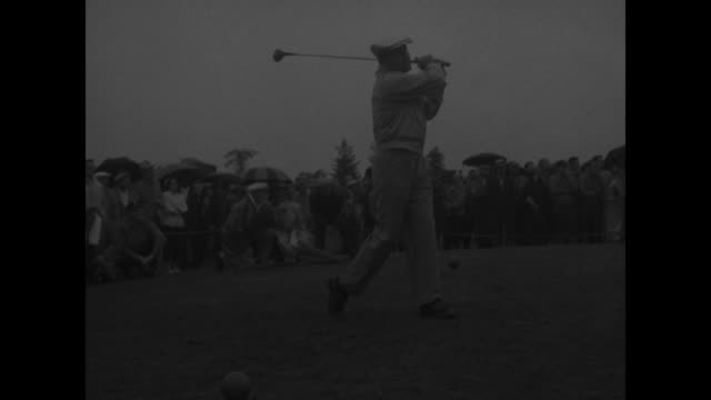 vídeos de stock e filmes b-roll de ms jack westland and tony martin talking affably at celebrities open at woodmont country club / cu westland then pan to martin / martin making shot... - bob hope comediante