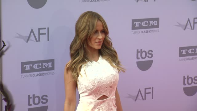 vídeos de stock, filmes e b-roll de jackie guerrido at the american film institute's 43rd life achievement award gala tribute to steve martin at dolby theatre on june 04 2015 in... - american film institute