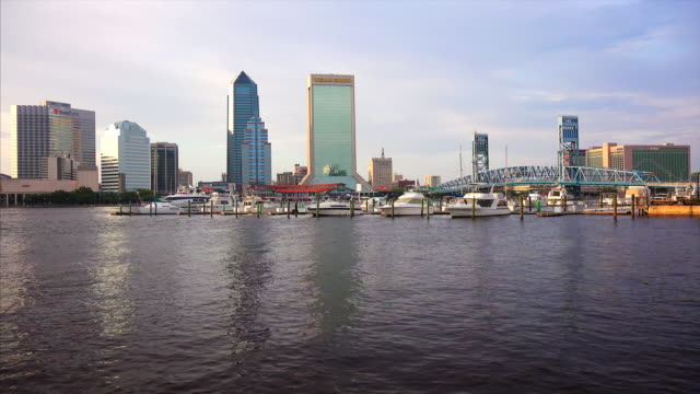 jacksonville, florida city skyline over the st. john's river - cantilever stock videos & royalty-free footage