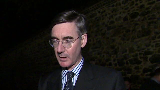 vídeos y material grabado en eventos de stock de jacob reesmogg saying theresa may's draft brexit withdrawal agreement destroys trust and that the uk can only leave the customs union with the eu's... - aprobado