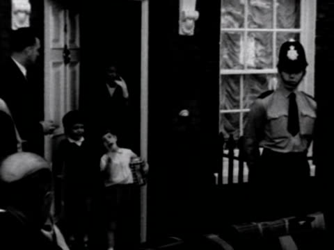 jacqueline kennedy and her children leave the london home of her sister princess radziwill and are greeted by photographers and bodyguards 1965 - jacqueline kennedy stock videos and b-roll footage