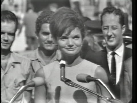jacqueline kennedy gives speech in spanish to the bay of pigs brigade that honors the bravery of the men who were involved in the failed bay of pigs... - jackie kennedy stock videos & royalty-free footage