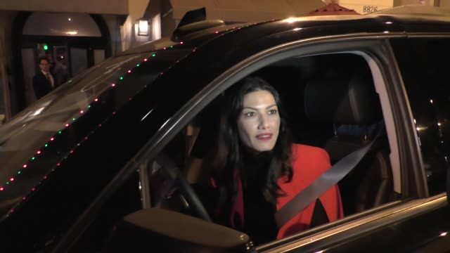 jacqueline lord on the peloton ads outside craig's in west hollywood at celebrity sightings in los angeles on december 14, 2019 in los angeles,... - プロトン点の映像素材/bロール