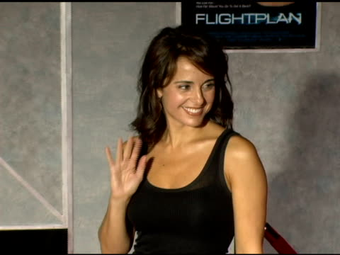 jacqueline obradors at the 'flightplan' los angeles premiere at the el capitan theatre in hollywood california on september 19 2005 - jacqueline obradors stock videos & royalty-free footage